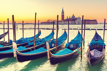 Fototapeta Wenecja Gondolas in Venice at sunrise