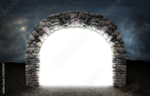 Photo  Concept of different dimension. White mysterious portal to anoth