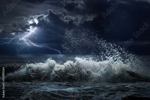 Foto auf Leinwand Onweer dark ocean storm with lgihting and waves at night