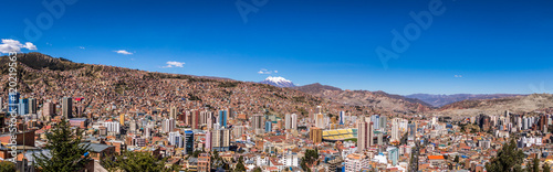 Stickers pour porte Amérique du Sud Panoramic view of La Paz with Illimani Mountain - La Paz, Bolivia
