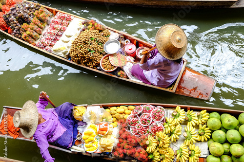 Photo sur Toile Bangkok Damnoen Saduak floating market, The famous attractions of Ratchaburi. Launched to the world as the source. The first tour since 2510.
