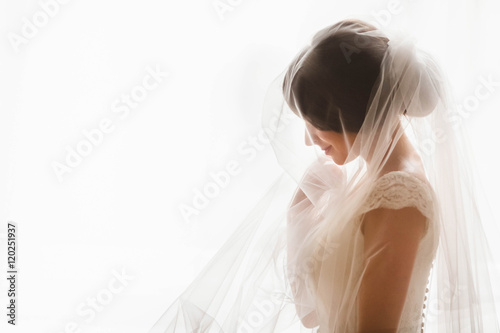Stampa su Tela fragile  bride was covered with a white veil