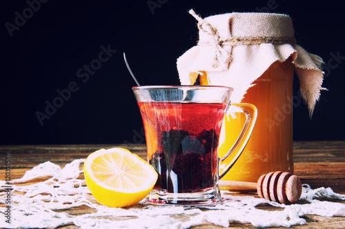 rozgrzewajacy-napoj-z-jagodami-i-miodem
