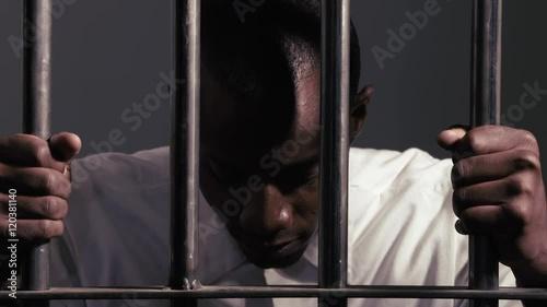 eva cassini night in jail - 500×281