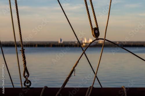 Obraz na plátně  Segelschiff im Hafen