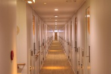 フェリー船内廊下