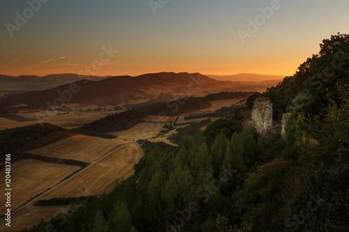 Papiers peints Muraille de Chine Warm sunrise over cereal fields