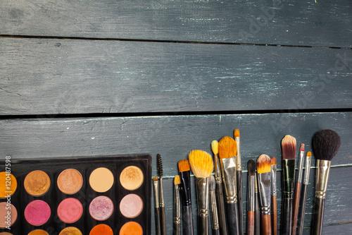Fototapeta Makeup brushes and make-up eye shadows obraz na płótnie