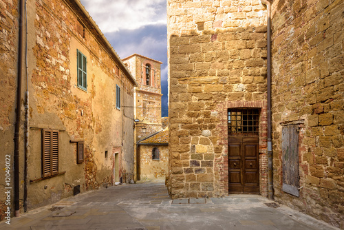 Tuinposter Oude verlaten gebouwen Alleys, streets and crannies in the beautiful town in Tuscany, P