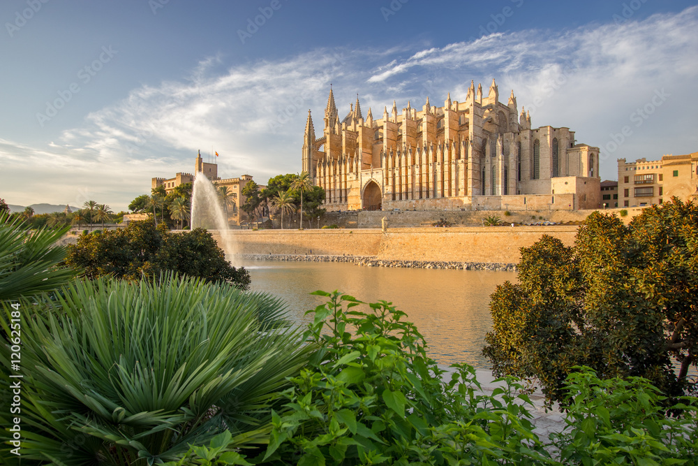 Fototapety, obrazy: The Cathedral of Santa Maria of Palma de Mallorca, La Seu, Spain