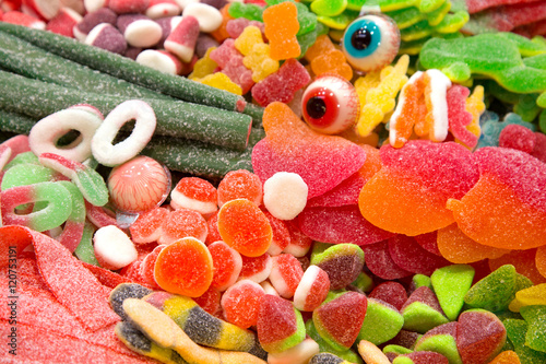 Fotobehang Snoepjes Süßwaren auf dem Boqueria Markt in Barcelona