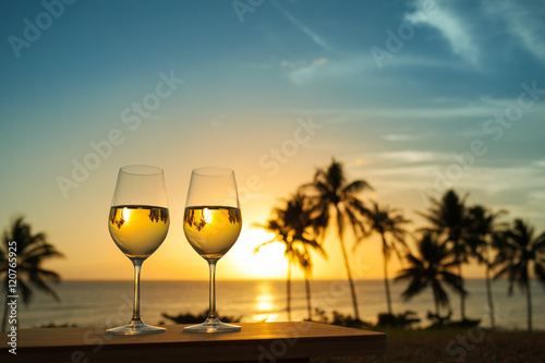 Fotografie, Obraz  Love honeymoon a beach vacation concept.