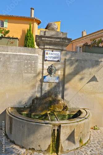Fotobehang Fontaine UNE FONTAINE A RASTEAU 2