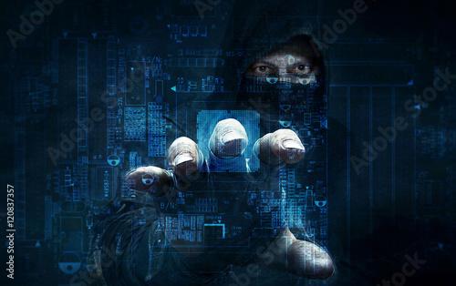 Fotografía  dangerous hacker stealing data -concept