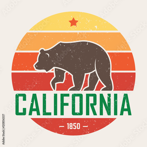 Fotografia  California t-shirt with grizzly bear