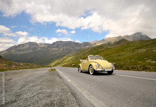 Vintage voitures Alpenüberquerung