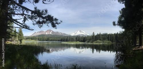 In de dag Reflectie lassen volcanic national park