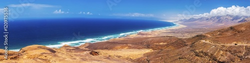 Fotografie, Obraz Cofete sandy beach with vulcanic mountains in the background, Jandia, Fuerteventura, second biggest Canary island, Spain