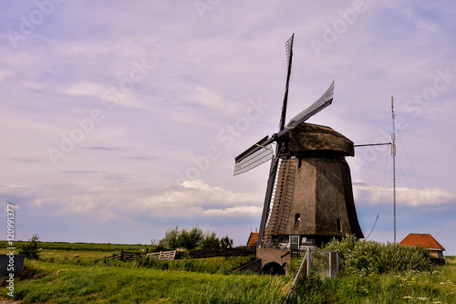 Aluminium Prints Mills Classic Vintage Windmill in Holland