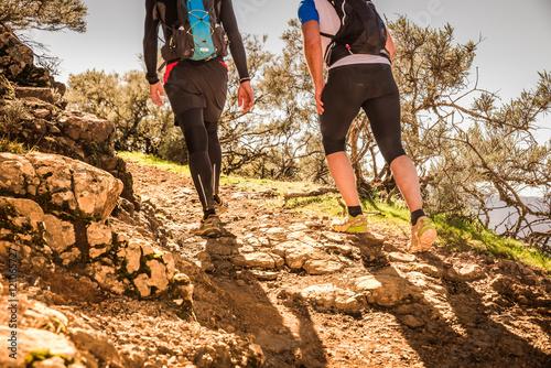 Tuinposter Alpinisme Montañismo trail en Gran Canaria, España, en plena naturaleza.