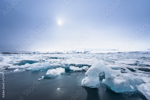 Foto op Plexiglas Arctica Icebergs at glacier lagoon