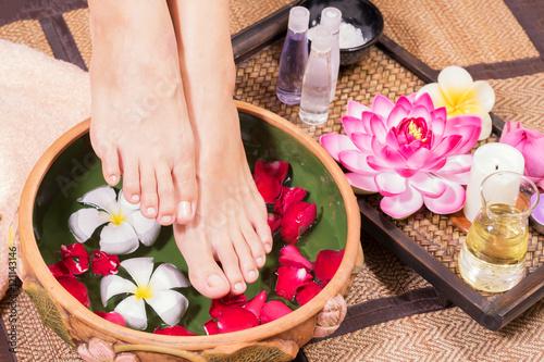 Foto op Plexiglas Female feet at spa