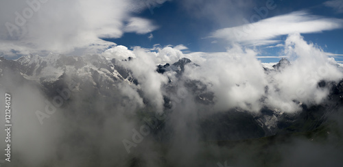 alpy-szwajcarskie-z-cyfrowej-kamery-schilthornolympus