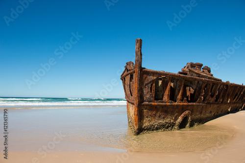 Poster Naufrage Shipwreck on the beach of Fraser Island, Queensland, Australia