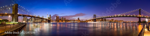 Poster Bruggen Manhattan Skyline Panorama mit Manhattan Bridge und Brooklyn Bridge