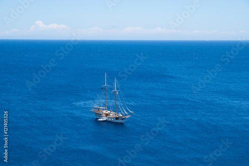 Poster Nautique motorise Yacht at open ocean