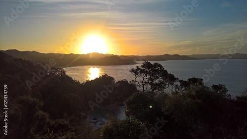 Papiers peints Pays d Afrique sunset over bay