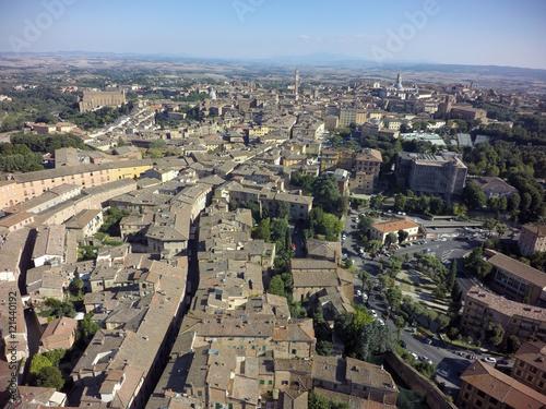 Foto op Aluminium Vista aerea siena da camollia