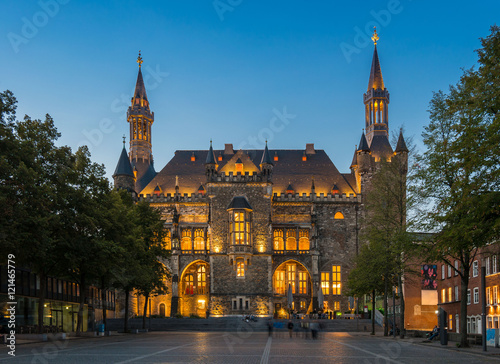 Deurstickers Krakau Rathaus in Aachen