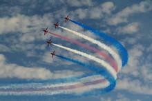 RAF Red Arrows Aerobatic Displ...