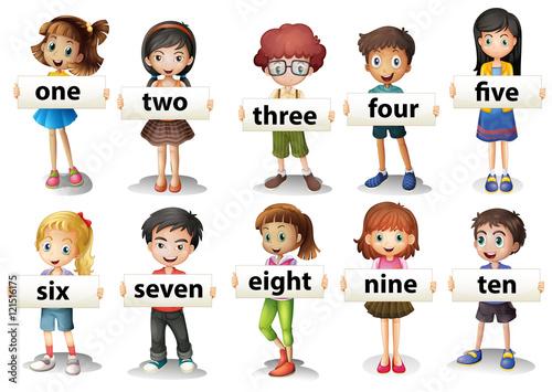 dzieci-trzymajace-karty-z-liczbami-po-angielsku-ilustracja