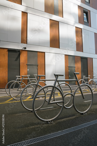Photo  Bicycle parking design in the modern district of Oslo