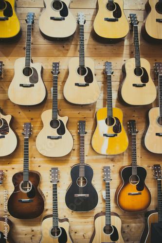 Spoed Foto op Canvas Muziekwinkel Pattern background of classic guitars