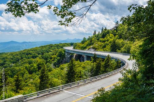 Valokuvatapetti Linn Cove Viaduct