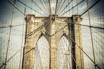 Fototapetadetailed brooklyn bridge architecture