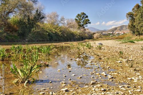 Fotografía  Cauce seco del rio Guadalhorce en verano