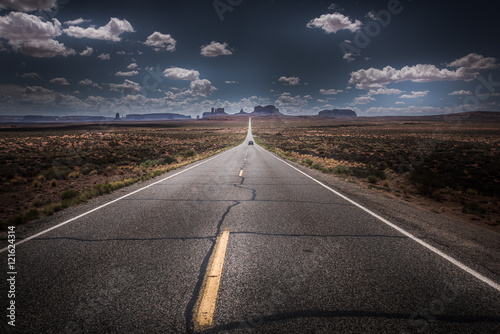 Canvas Print Hwy 163 toward Monument Vally Forrest Gump Point