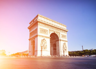 Fototapeta na wymiar Arc de triomphe in Paris during a sunny day, France
