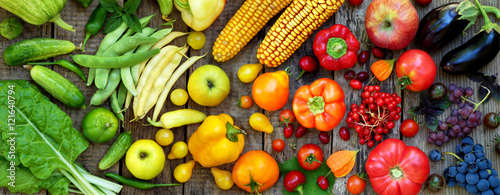 Deurstickers Keuken green, red, yellow, purple vegetables and fruits