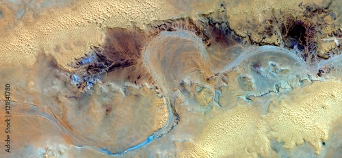 Photo  Allegory of turquoise river yellowed drawing by sulphurous gravitational waves a