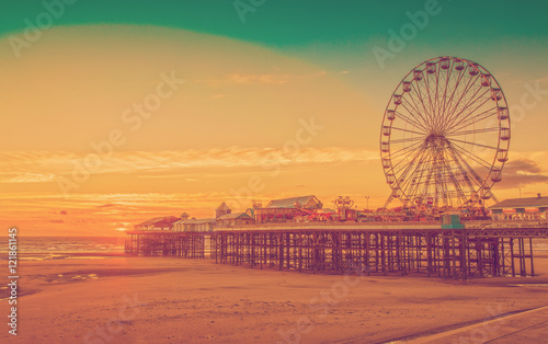 Zdjęcie XXL Filtr efektu retro efekt: Blackpool Central Pier i Ferris Wheel, Lancashire, Anglia, Wielka Brytania