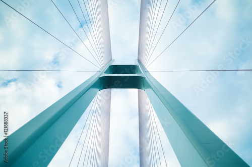 Montage in der Fensternische Brücken cable-stayed bridge closeup