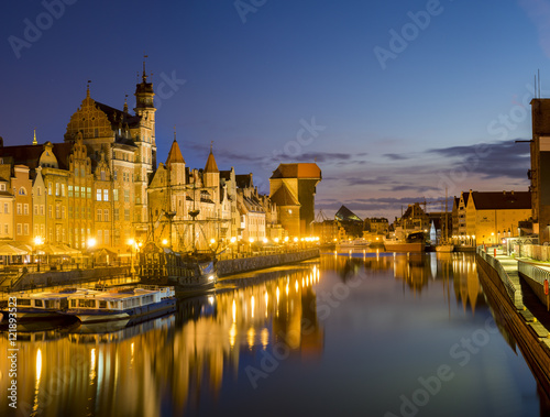 Poster Ville sur l eau Night panorama of the old town in Gdansk, Poland