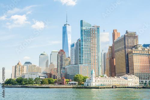 Foto op Aluminium New York views to lower manhattan on sunny day