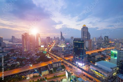 Cadres-photo bureau Bangkok Bangkok Transportation at Dusk with Modern Business Building along the river (Thailand)
