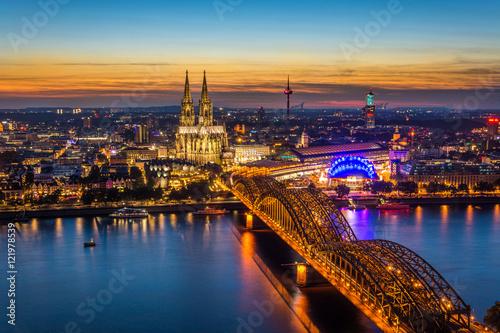 In de dag Europa Cologne at night
